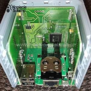 Exta Life EFC-01 wnętrze sterownika produkcji Zamel