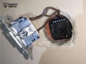 Elektroniki nie należy upychać w puszce na wcisk. Należy zastosować większą puszkę.